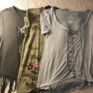 Set of 3 American Eagle soft tshirts